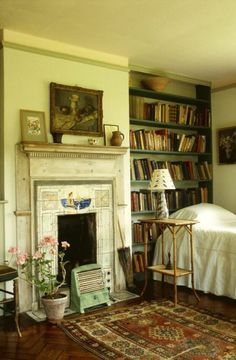 Looks like me and Virginia Woolf had some things in common: books and favorite color, mint (pale green)