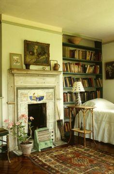 Garcia's room Virginia Woolf's bedroom. (Charleston, Bloomsbury Group)