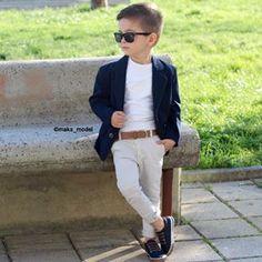 Boy Meets World Fashion Kids Fashion Wear, Toddler Boy Fashion, Little Boy Fashion, 90s Fashion, Outfits Niños, Cool Outfits, Boys Dress Outfits, Little Boy Outfits, Baby Boy Outfits