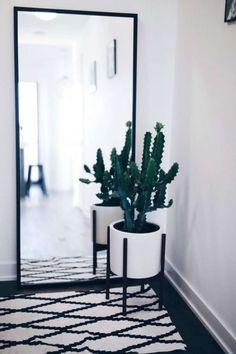 Siempre es útil tener en la casa un espejo de cuerpo entero, sobre todo si te gusta mucho la moda.