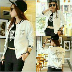 เสื้อแจ็คเก็ตเกาหลี สไตล์ baseball สีขาว ขายในราคา ฿350 ซื้อได้ที่ line id : icandid