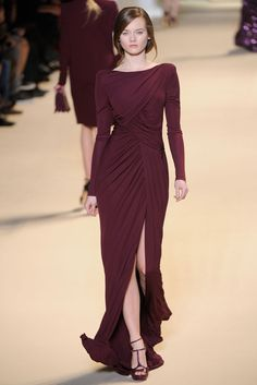 Long-sleeved burgundy evening dress with slit (Fall/Winter 2011 Ready-to-Wear Collection by Elie Saab) october wedding colors schemes / fall wedding ideas colors october / fall wedding ideas november / fall winter wedding / fall colors for wedding Fashion Week Paris, Runway Fashion, Fashion Show, Women's Fashion, Fashion Design, Burgundy Evening Dress, Elie Saab Fall, White Flower Girl Dresses, Evening Dresses