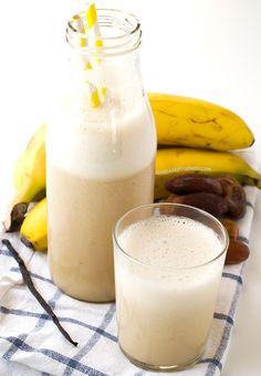 Esta leche de plátano es una alternativa más saludable a la leche de vaca, tiene 79 calorías por cada taza y es muy fácil de preparar.