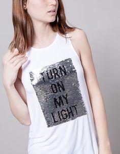 Camiseta pailletes texto reversible