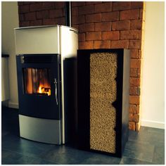 Poêle à garnule: Stove italy model tosca avec un GranuleBox motif niveau Wood Pellet Stoves, Wood Pellets, Foyer, Container, Home Appliances, Diy, Wood Steel, Pattern, Living Room