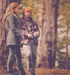 I know this is supposed to be Hermione and Ron from Harry Potter, but it reminds me of Talan and Nora