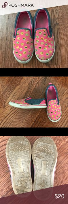 SG Footwear Emoji Canvas Flats Smooth soft fabric upper with fun colorful emoji print in a slip on casual comfort flat with stitching accents and Gel Infused Memory Foam insole. In good used condition. Shoes Sneakers