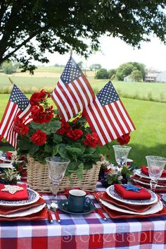 Show off your patriotism with these Easy Table Decorations For of July / Independence Day. Celebrate Independence Day with these Creative and Easy Table Decorations . Fourth Of July Decor, 4th Of July Celebration, 4th Of July Decorations, 4th Of July Party, July 4th, Military Decorations, Holiday Decorations, Seasonal Decor, Wedding Decorations