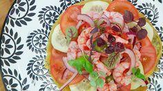 Receta de ceviche de gambas Ensalada Caprese, Caprese Salad, Tofu, Salads, Tacos, Ethnic Recipes, Gastronomia, Hake Recipes, Baked Fish