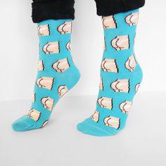 Voici les chaussettes à motif seins Coucou Suzette! Taille Unique (A peu près 35-43) Composition: 72% Coton, 27% Polyamide, 1% Elastane. Réalisés