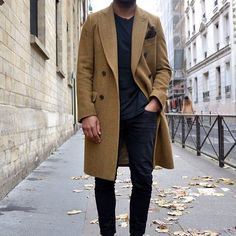 Long coat men's street style fashion, mens fashion:cat и sty Street Style Vintage, Look Street Style, Street Styles, Men Looks, Men Street, Street Wear, Style Masculin, Herren Style, Moda Blog