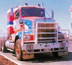 TNT SAR | TNT Kenworth SAR - Early 80's | RIH 500 | deviatea | Flickr Semi Trucks, Old Trucks, Pickup Trucks, Old Bangers, Clean Metal, Road Train, Cab Over, Kenworth Trucks, Classic Trucks