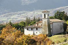 La Chiesa di San Vito, parrocchiale, sorge isolata lungo la strada Norcia - Avendita - Cascia. Fu la Chiesa della cella monastica medievale passata attraverso Farfa e l`Abbazia di Sant`Eutizio