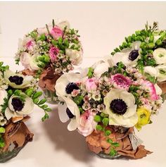 Full & mini bouquets by TTH Blooms.