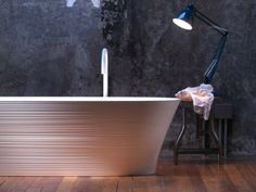 Freistehende Badewanne aus Ceramilux® HANDMADE | Badewanne - FALPER