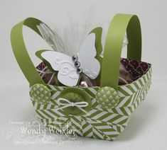 Heres that tutorial i promised to show you for my criss cross love this little basket idea so cute easy and quick late as they say better late than never may day baskets going out tomorrow to staff and negle Image collections