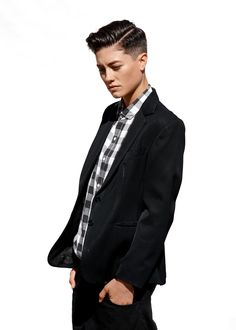 That hair - Androgynous Hair - Cheveux Butch Fashion, Queer Fashion, Tomboy Fashion, Estilo Tomboy, Androgynous Women, Androgynous Fashion, Mode Queer, Ties, Clothes