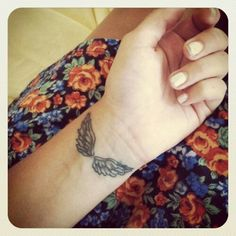 luv the angel wings such a pretty tattoo and i luv that its on the wrist