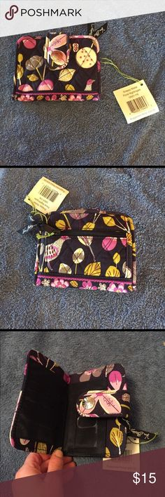 Snappy wallet Brand new snappy wallet in floral nightingale Vera Bradley Bags Wallets