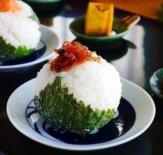 japanese food, sushi, sashimi, japanese sweets, for japan lovers Cafe Menu, Cafe Food, Asian Street Food, Sushi, How To Cook Rice, Love Eat, Japanese Food, Japanese Sweets, Easy Cooking