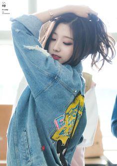 Lovelyz - Yein Yein you rock it! Kpop Girl Groups, Kpop Girls, First Girl, My Girl, Asian Woman, Asian Girl, Yein Lovelyz, Oppa Gangnam Style, Kpop Outfits