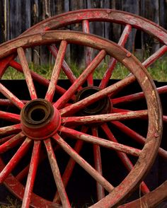Red wagon wheels at the Mercer ranch auction. would look so good outside my house! Country Charm, Country Life, Country Living, Country Roads, Looks Country, Old Wagons, Farms Living, Wheelbarrow, Shades Of Red