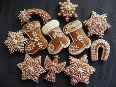 This Pin was discovered by Оль Christmas Cooking, Christmas Desserts, Holiday Treats, Christmas Treats, Xmas Cookies, Cute Cookies, Sugar Cookies, Christmas Gingerbread, Gingerbread Cookies