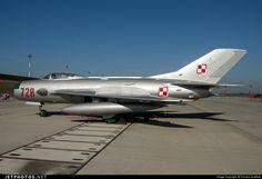 Polish Air Force Mikoyan-Gurevich MiG-19P Farmer D 728 62210728 Poznan-Krzesiny - EPKS