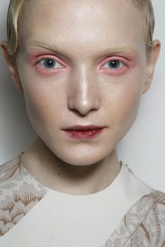 Jonathan Saunders Fall 2014. http://votetrends.com/polls/369/share #makeup #beauty #runway #backstage
