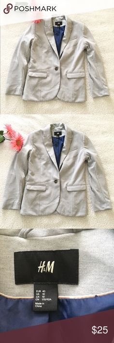 {New In} H&M Gray Blazer Size 10 Great looking blazer. No issues. Thanks for stopping by. Happy to answer any questions for you. Check out my closet for more items you will love. I offer 10% off 3+ bundles and private discounts when you bundle you likes. Happy Poshing.🤗 H&M Jackets & Coats Blazers