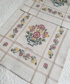 Cross Stitch Rose, Crewel Embroidery, Drawing Lessons, Bargello, Advertising Design, Cherry Blossoms, Bullet Journal, Quilts, Blanket