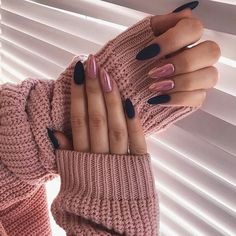 Long Nails Design Ideas You Should Try Today The most memorable and attractive ones will be the stylish long nail design. Drawing and painting on the long nails. And you can turn any design you like into reality. Romantic patterns, beautiful l. Cute Acrylic Nails, Fun Nails, Pretty Nails, Long Nail Art, Long Nail Designs, Art Designs, Design Art, Nagellack Trends, Almond Shape Nails