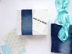 Le Paquet: Embalagem com calça jeans reciclada