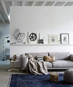 oturma odasinda iskandinav ruhu dekorasyon fikirleri beyaz gri siyah renkler sade minimalist aksesuar (12)
