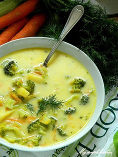 My simple kitchen: Zupa brokułowa z serkiem topionym Kitchen Recipes, Soup Recipes, Great Recipes, Cooking Recipes, Healthy Recipes, Vegan Gains, Roasted Butternut Squash Soup, Polish Recipes, Easy Food To Make
