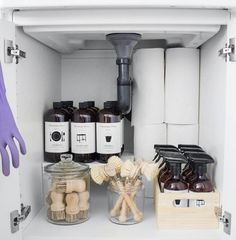 Under Sink Organization, Kitchen Organisation, Linen Closet Organization, Bathroom Organization, Organization Hacks, Modern Laundry Rooms, The Home Edit, Sustainable Living, Clean House