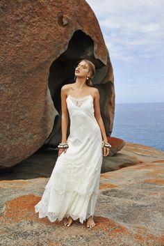 (Foto 11 de 37) Vestido de novia de estilo lencero de Grace Loves Lace, Galeria de fotos de Vestidos hippies para novias boho-chic