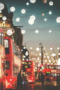 lanterns x red double decker buses :: #London, England