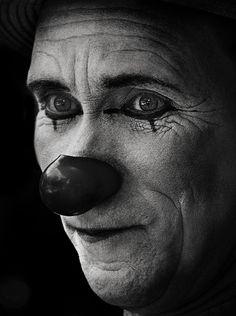 Black and White photo by camilo alvarez Portrait Art, Portrait Photography, Freaky Clowns, Circus Fashion, Sculpture Head, Sculptures, Send In The Clowns, Clown Faces, Circus Clown