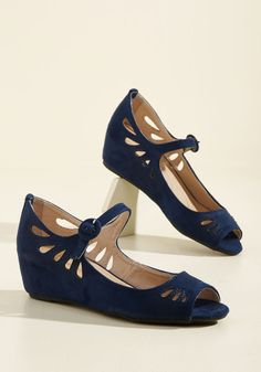 Retro Road Trip Wedge. Slip into these navy wedges, grab a pal, and head to a vintage-friendly destination! #blue #modcloth