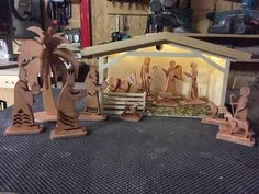 Die 13 Besten Bilder Von Weihnachtskrippen Christmas Nativity Set
