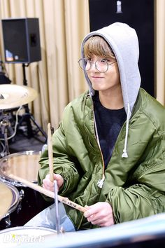 """With the piano playing of JIMIN, JIN plays the bass guitar. When JUNG KOOK starts the beat, J-HOPE begins showing his emotions. Leader RAP MONSTER says…, """"First time to see an ensemble?"""""""