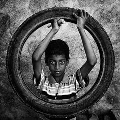 Photograph Circle of Life by Mahesh Balasubramanian on Black And White Portraits, Black White Photos, Black And White People, Round Canvas, Vegas Style, Street Portrait, Photo Story, Street Photographers, Circle Of Life