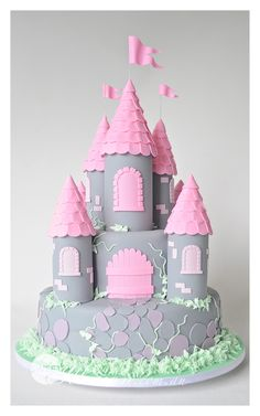 THIS HAD iRELAND WRITTEN ALL OVER IT!  Castle birthday cake  @Tami Arnold Lundquist
