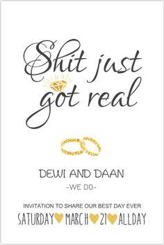 Trendy trouwkaart in zwart wit met goudkleurige details. Met handlettering. Geheel zelf aan te passen. Gratis verzending in Nederland en België.