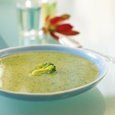 South Beach Diet Phase 1 broccoli soup. Make ahead 3 days or freeze 1 month. Could be tailored to other similar vegetables.