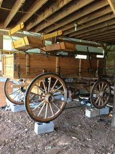 1 Woodworking Enthusiasts, Woodworking Tools, Horse Wagon, Amish, Tool Box, Horses, Building, Tools For Working Wood, Toolbox