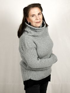 Der graue Oversized-Pullover – DasTeil für Dich. Der Klassiker in Grau. Im angesagten Boyfriend-Style kommt dieser oversized Liebling daher.