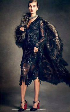 """A stunning editorial in Vogue Japan January 2015 called """"A Look Back At Chic"""" featuring model Jac Jagaciak and photographed by Andreas Sjödin. Foto Fashion, Fashion Shoot, Editorial Fashion, Fashion Models, High Fashion, Womens Fashion, Mode Editorials, Modelos Fashion, Podium"""