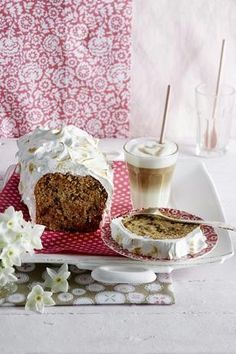 Das Rezept für Möhren-Walnuss-Kastenkuchen mit geflämmtem Baiser und weitere kostenlose Rezepte auf LECKER.de